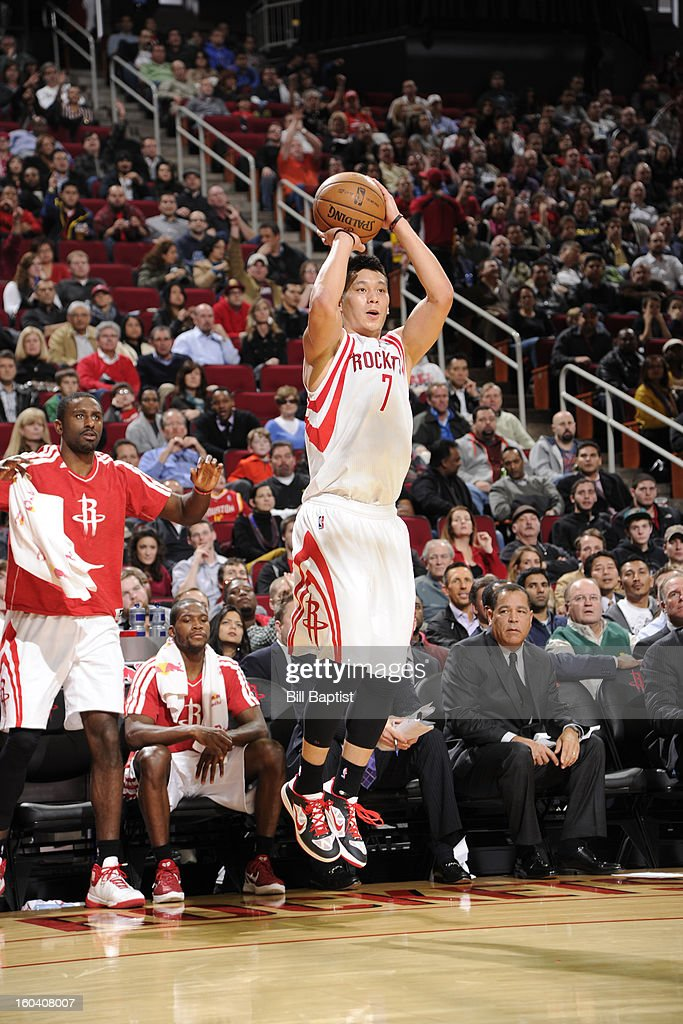Jeremy Lin #7 of the Houston Rockets shoots against the Los Angeles Clippers on January 15, 2013 at the Toyota Center in Houston, Texas.