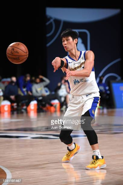 Jeremy Lin of the Santa Cruz Warriors passes the ball against the Raptors 905 on February 15, 2021 at AdventHealth Arena in Orlando, Florida. NOTE TO...