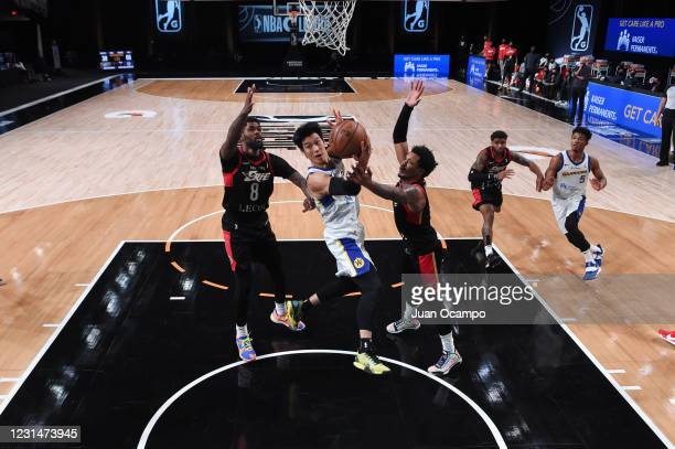 Jeremy Lin of the Santa Cruz Warriors passes the ball against the Erie BayHawks on March 2, 2021 at AdventHealth Arena in Orlando, Florida. NOTE TO...