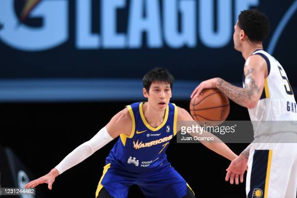 Jeremy Lin of the Santa Cruz Warriors plays defense against the Fort Wayne Mad Ants on February 18, 2021 at AdventHealth Arena in Orlando, Florida....