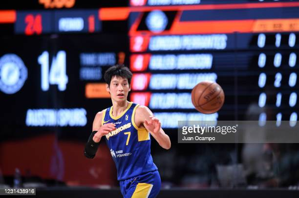 Jeremy Lin of the Santa Cruz Warriors receives a pass against the Austin Spurs on February 28, 2021 at AdventHealth Arena in Orlando, Florida. NOTE...