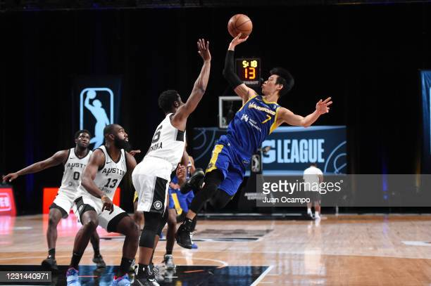 Jeremy Lin of the Santa Cruz Warriors shoots the ball against the Austin Spurs on February 28, 2021 at AdventHealth Arena in Orlando, Florida. NOTE...
