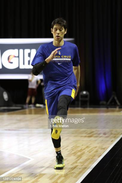 Jeremy Lin of the Santa Cruz Warriors warms up before the game on February 17, 2021 at HP Field House in Orlando, Florida. NOTE TO USER: User...
