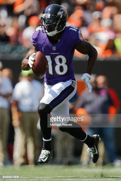 Jeremy Maclin of the Baltimore Ravens runs for a touchdown during the second half against the Cincinnati Bengals at Paul Brown Stadium on September...
