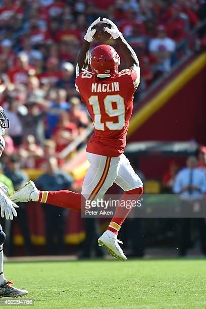 Jeremy Maclin of the Kansas City Chiefs catches a pass at Arrowhead Stadium during the game on October 11 2015 in Kansas City Missouri