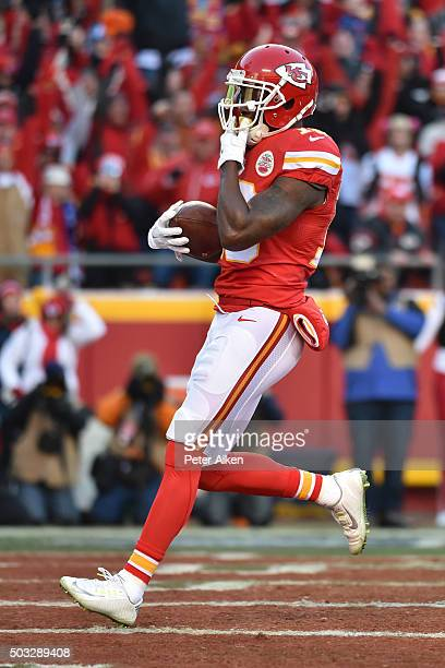 Jeremy Maclin of the Kansas City Chiefs catches the first touchdown of the contest at Arrowhead Stadium during the first quarter of the game against...