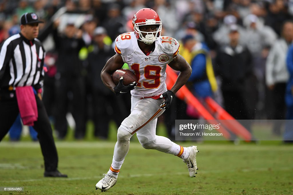 Kansas City Chiefs v Oakland Raiders : News Photo