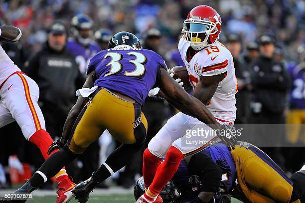 Jeremy Maclin of the Kansas City Chiefs runs the ball against the Baltimore Ravens at MT Bank Stadium on December 20 2015 in Baltimore Maryland