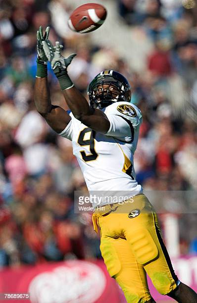 Jeremy Maclin of the Missouri Tigers makes a catch against the Arkansas Razorbacks at The Cotton Bowl on January 1, 2008 in Dallas, Texas. The Tigers...