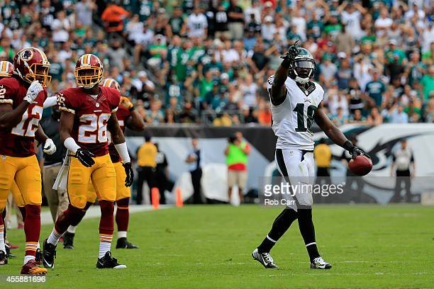 Jeremy Maclin of the Philadelphia Eagles celebrate after catching a first-down pass against the Washington Redskins in the fourth quarter at Lincoln...