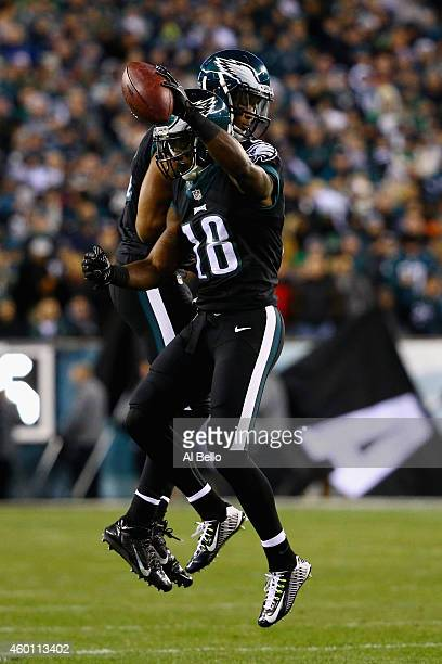Jeremy Maclin of the Philadelphia Eagles celebrates his touchdown against the Seattle Seahawks with teammate Jordan Matthews in the first quarter of...