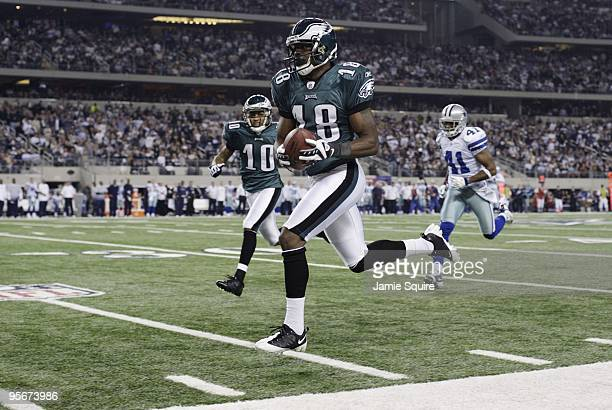 Jeremy Maclin of the Philadelphia Eagles runs for a 76yard touchdown in the second quarter on a pass from quarterback Michael Vick against the Dallas...