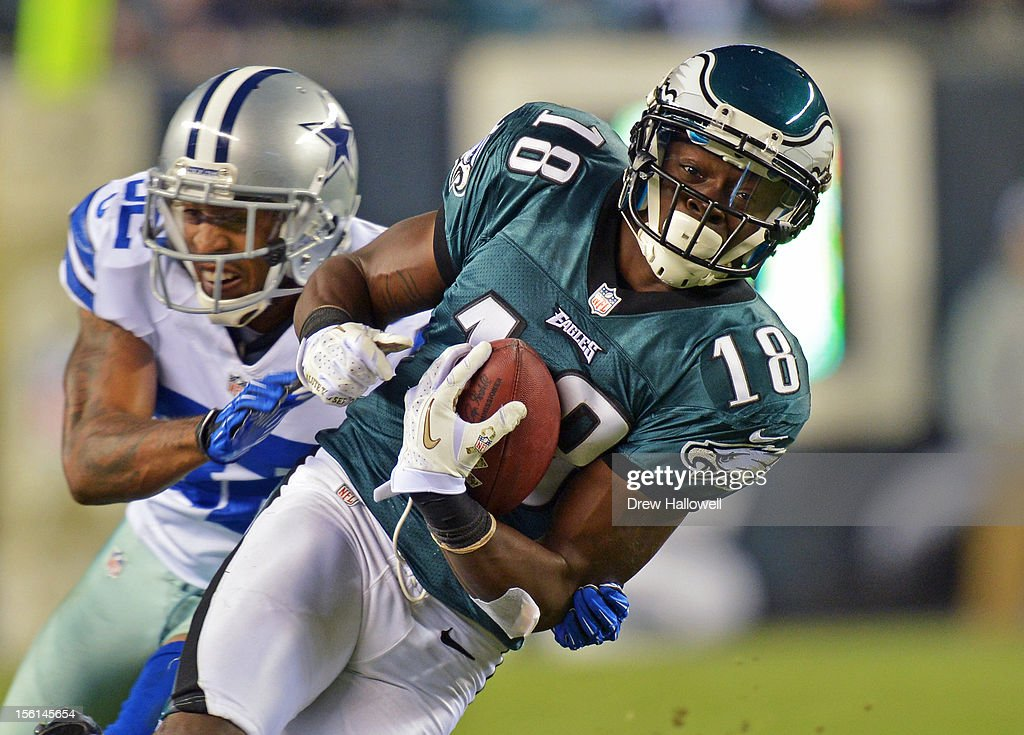 Jeremy Maclin #18 of the Philadelphia Eagles runs the ball during the game against the Dallas Cowboys at Lincoln Financial Field on November 11, 2012 in Philadelphia, Pennsylvania. The Cowboys won 38-23.
