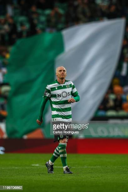 Jeremy Mathieu of Sporting CP celebrates scoring Sporting CP goal during the match between SL Benfica and FC Famalicao for the first leg of the...