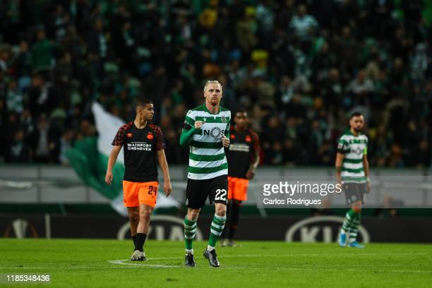 Jeremy Mathieu of Sporting CP celebrates scoring the third goal of Sporting CP during the UEFA Europa League group D match between Sporting CP and...