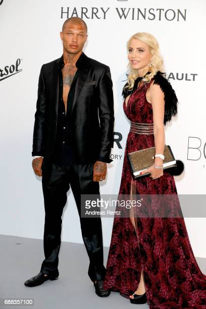 Jeremy Meeks and a guest arrive at the amfAR Gala Cannes 2017 at Hotel du CapEdenRoc on May 25 2017 in Cap d'Antibes France