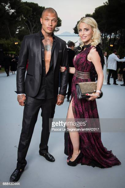 Jeremy Meeks and a guest attend the amfAR Gala Cannes 2017 at Hotel du Cap-Eden-Roc on May 25, 2017 in Cap d'Antibes, France.