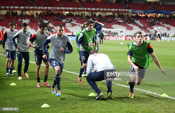 Jeremy Menez Lucas Digne of PSG warm up prior to the UEFA Champions League match between SL Benfica and Paris SaintGermain FC at the Estadio de la...