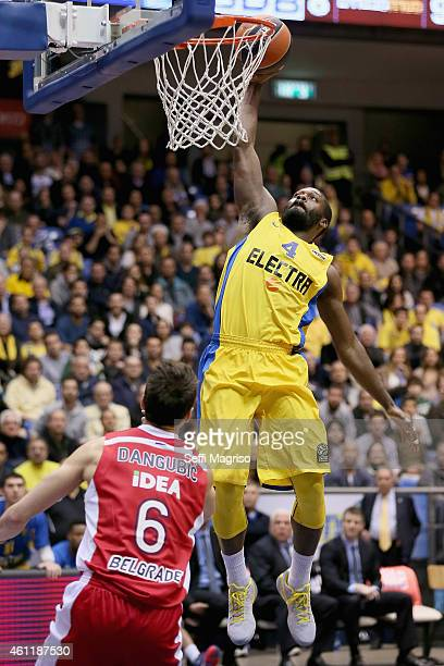 Jeremy Pargo #4 of Maccabi Electra Tel Aviv competes with Nemanja Dangubic #6 of Crvena Zvezda Telekom Belgrade during the Euroleague Basketball Top...