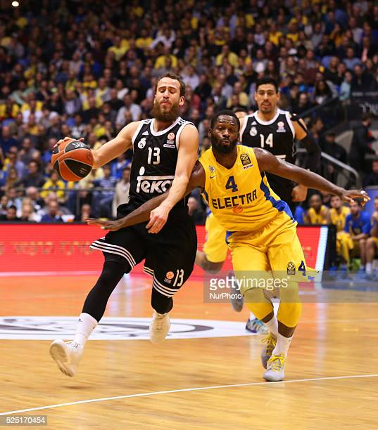 Jeremy Pargo during his Euroleague Top16 group E round 5 basketball match against Spanish Real Madrid's Spanish guard Sergio Rodriguez on January 29...