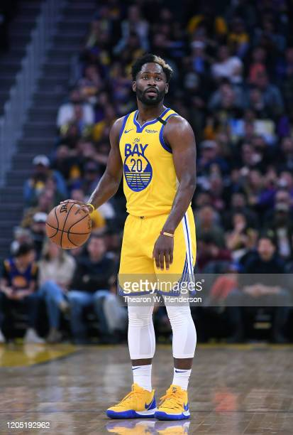 Jeremy Pargo of the Golden State Warriors dribbles the ball against the Los Angeles Lakers during the second half of an NBA basketball game at Chase...