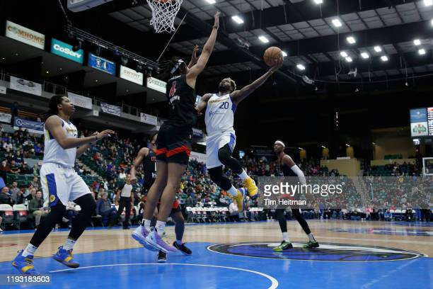 Jeremy Pargo of the Santa Cruz Warriors drives on Moses Brown of the Texas Legends during the second quarter on January 11 2020 at Comerica Center in...