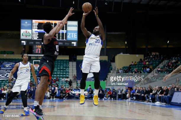 Jeremy Pargo of the Santa Cruz Warriors shoots over Josh Reaves of the Texas Legends in the first quarter on January 11 2020 at Comerica Center in...