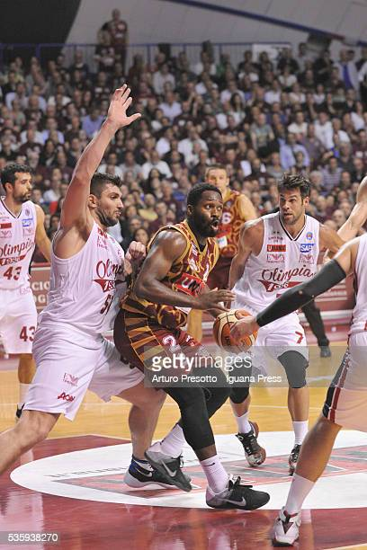 Jeremy Pargo of Umana competes with Esteban Batiste and Bruno Cerella of EA7 duriing the LegaBsaket Serie A match between Reyer Umana Venezia and EA7...