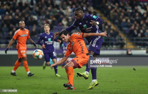 Jeremy Perbet of Charleroi and Landry Dimata of Anderlecht fight for the ball during the Jupiler Pro League match between RSC Anderlecht and Royal...