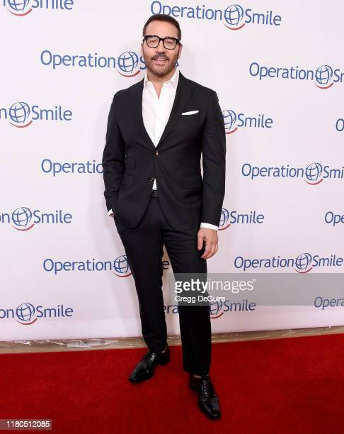 Jeremy Piven arrives at Operation Smile's Hollywood Fight Night at The Beverly Hilton Hotel on November 6, 2019 in Beverly Hills, California.