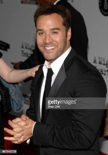 Jeremy Piven arrives to the New York City Premiere of 'A Mighty Heart' held at the Ziegfeld Theater New York City BRIAN ZAK