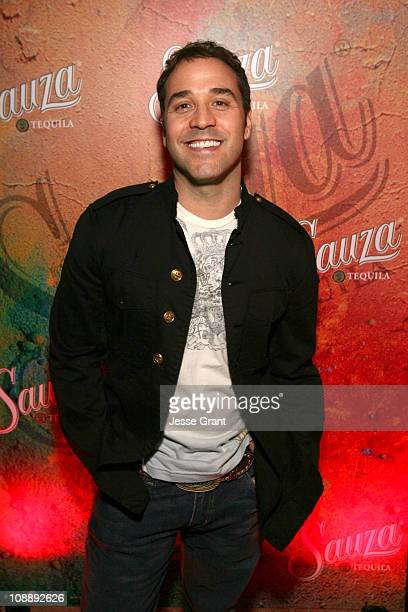 "Jeremy Piven during Sauza Tequila Party Hosted by Jeremy Piven, Featuring the ""Hug It Out"" Margarita - Red Carpet and Inside at Velvet Margarita in..."