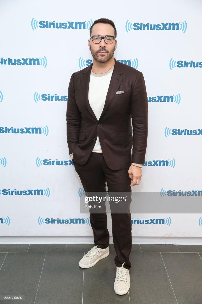 Celebrities Visit SiriusXM - October 30, 2017 : News Photo