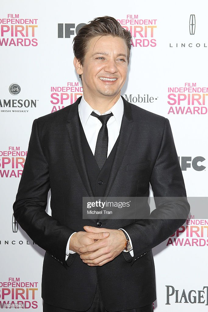 Jeremy Renner arrives at the 2013 Film Independent Spirit Awards held on February 23, 2013 in Santa Monica, California.