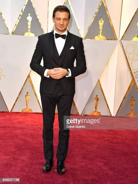 Jeremy Renner arrives at the 89th Annual Academy Awards at Hollywood Highland Center on February 26 2017 in Hollywood California