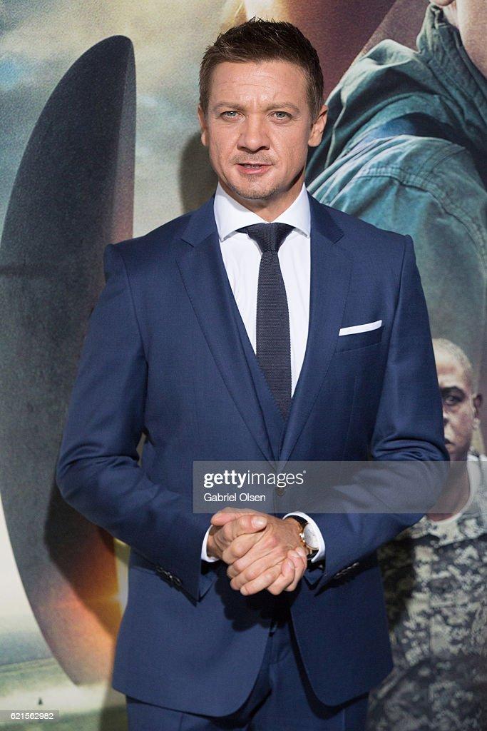 """Premiere Of Paramount Pictures' """"Arrival"""" - Arrivals : Photo d'actualité"""