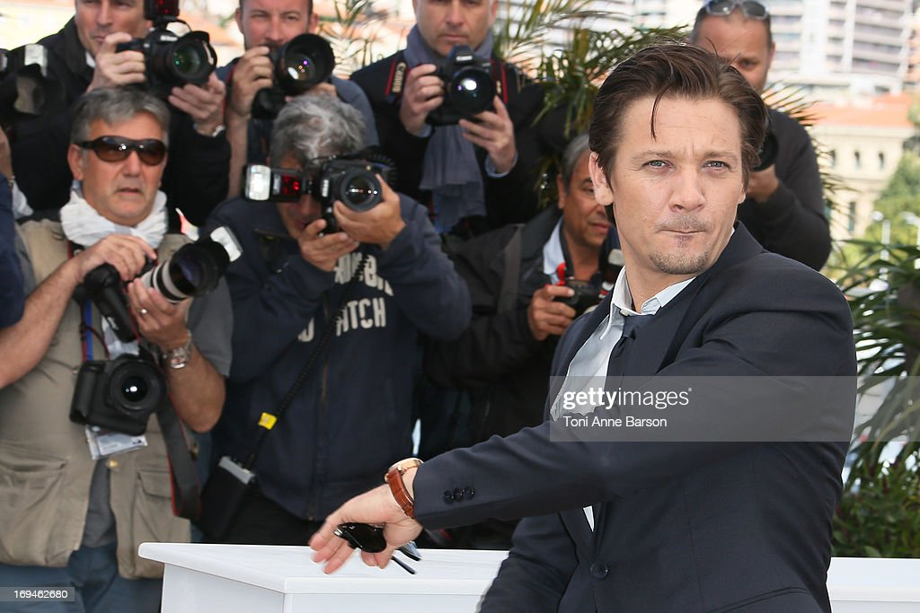 Jeremy Renner attends the photocall for 'The Immigrant' at The 66th Annual Cannes Film Festival on May 24, 2013 in Cannes, France.