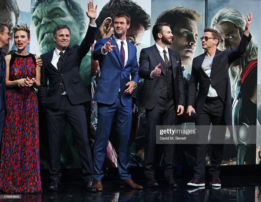 Jeremy Renner Scarlett Johansson Mark Ruffalo Chris Hemsworth Evans And Robert