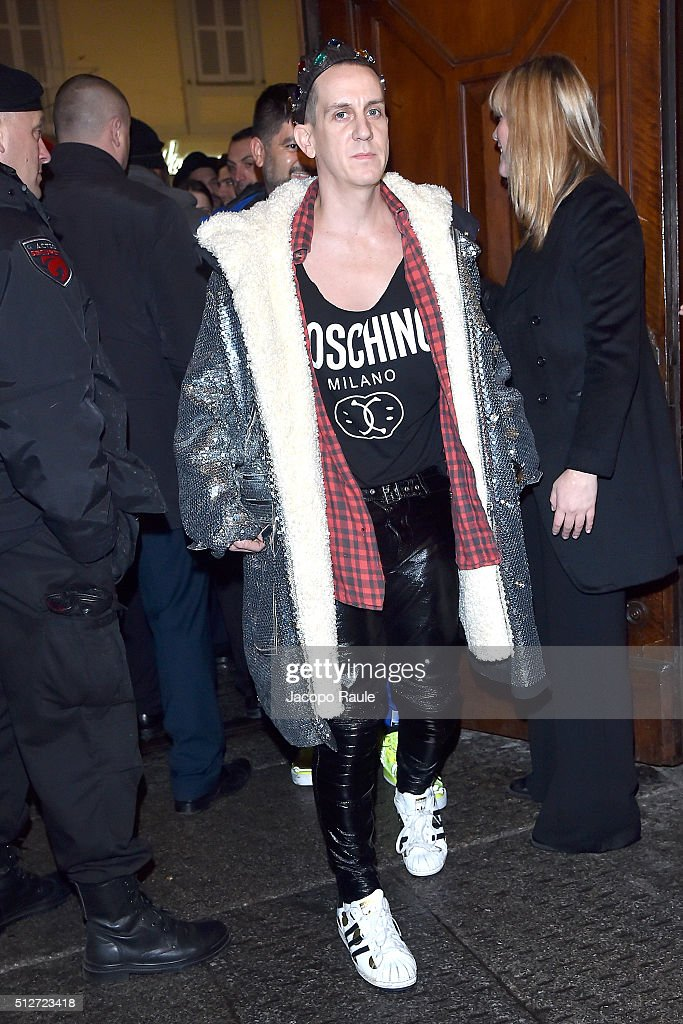 Jeremy Scott attends Vogue Cocktail Party honoring photographer Mario Testino on February 27, 2016 in Milan, Italy.