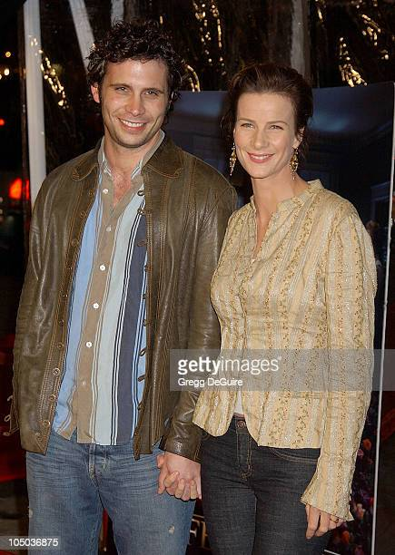 Jeremy Sisto and Rachel Griffiths during Los Angeles Premiere of HBO's 'Six Feet Under' at Grauman's Chinese Theatre in Hollywood California United...