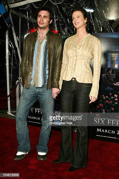 Jeremy Sisto Rachel Griffiths during LA Premiere of HBO's series Six Feet Under at Grauman's Chinese Theatre in Hollywood CA United States