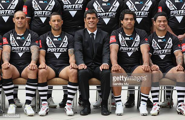Jeremy Smith Benji Marshall Coach Stephen Kearney Adam Blair and Isaac Luke of the New Zealand Kiwis pose for a team photo at the Pullman Hotel on...
