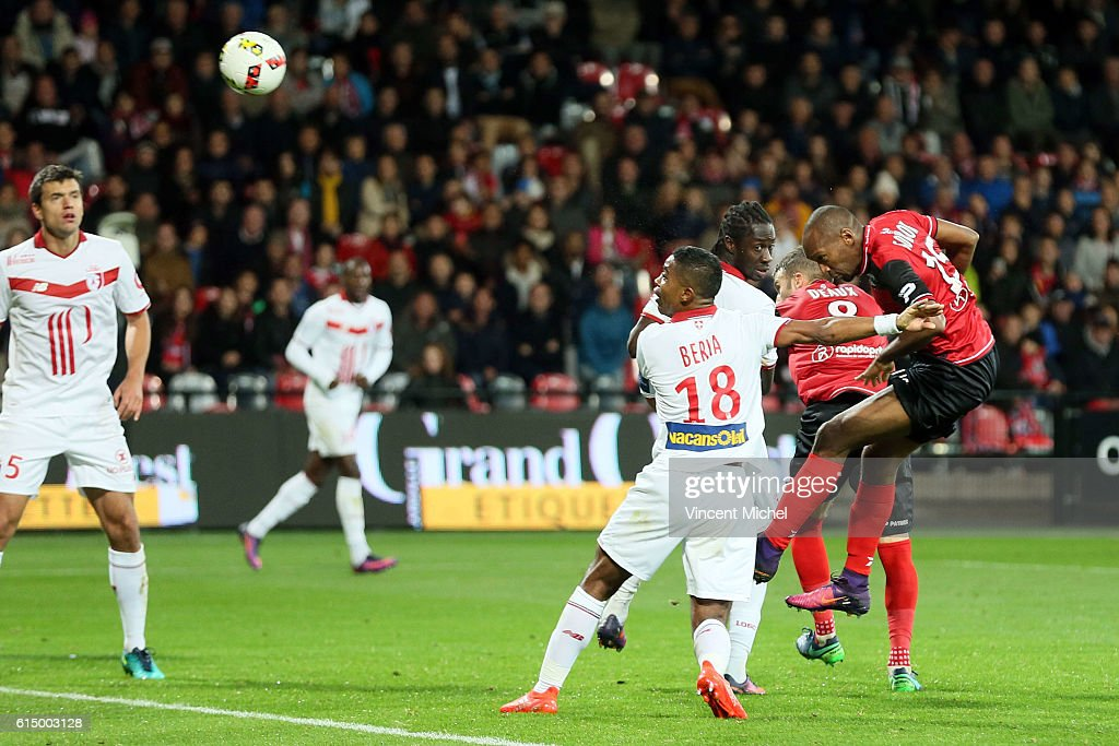 Jeremy Sorbon of Guingamp during the Ligue 1 match between EA Guingamp and Lille OCS at Stade du Roudourou on October 15, 2016 in Guingamp, France.