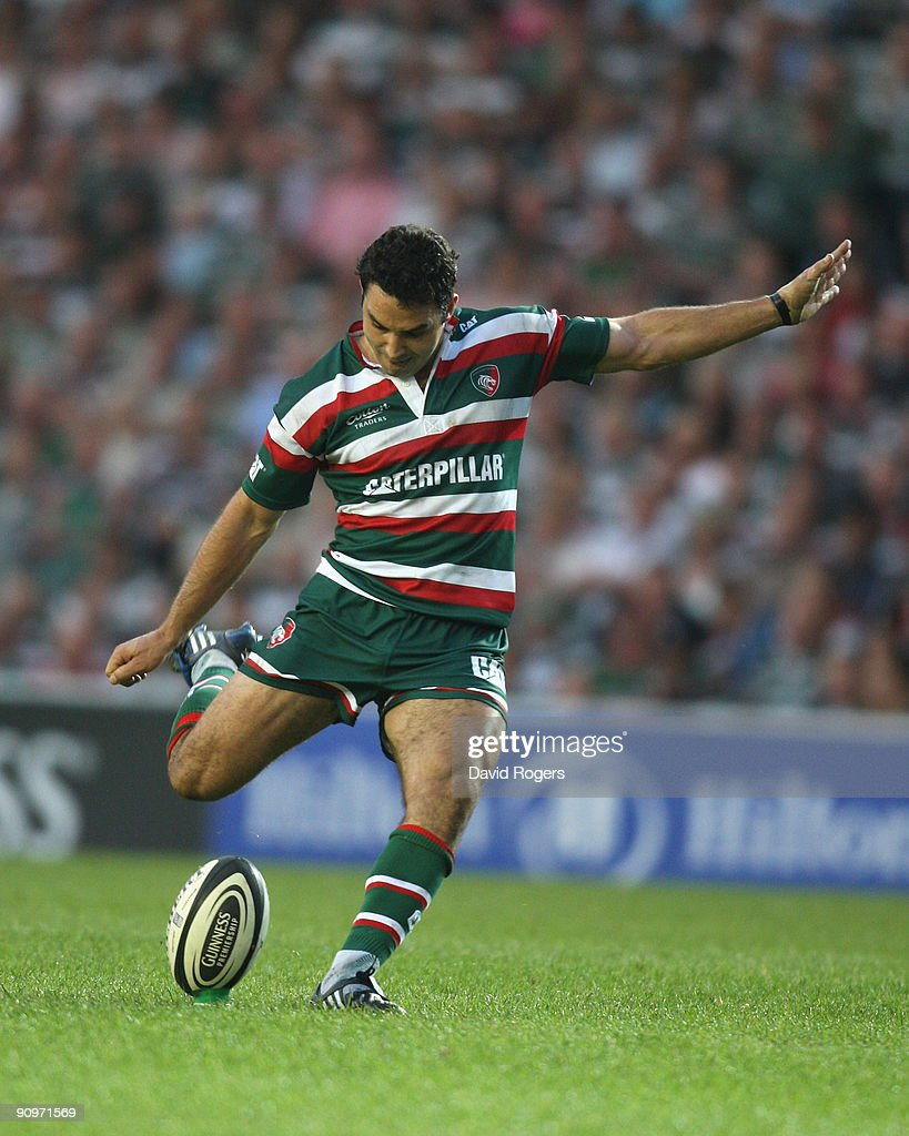 Jeremy Staunton of Leicester kicks a penalty during the Guinness Premiership match between Leicester Tigers and Newcastle Falcons at Welford Road on September 19, 2009 in Leicester, England.