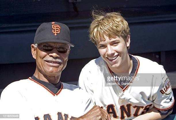 Jeremy Sumpter SF Giants fan and star of the new CBS series 'Clubhouse' with Felipe Alou Giants Manager while he attends the Arizona Diamondbacks...