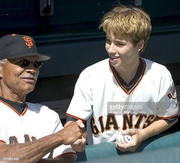 Jeremy Sumpter SF Giants fan and star of the new CBS series 'Clubhouse' meets Felipe Alou Giants Manager while he attends the Arizona Diamondbacks...