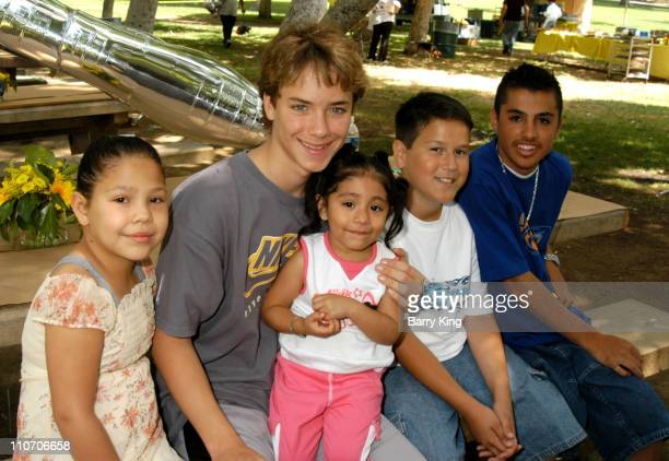 Jeremy Sumpter with children from The Los Angeles Ronald McDonald House
