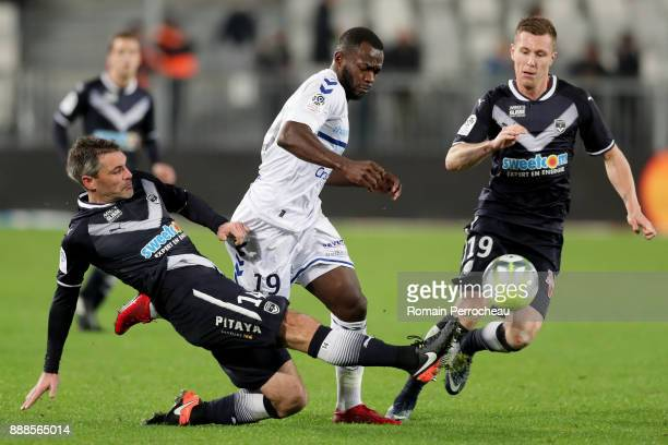 Jeremy Toulalan of Bordeaux and Stephane Bahoken of Strasbourg in action during the Ligue 1 match between FC Girondins de Bordeaux and Strasbourg at...