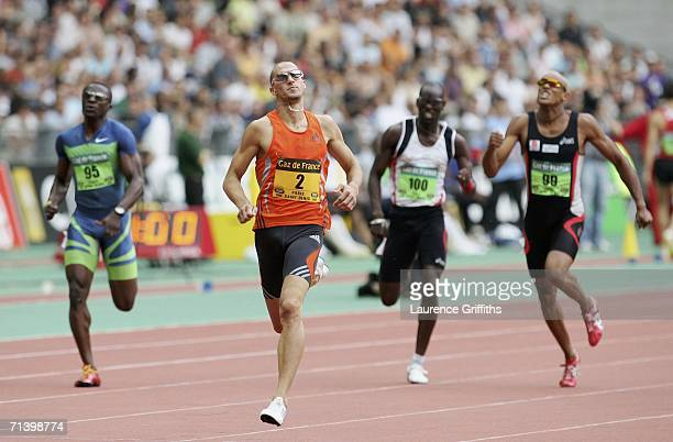 Jeremy Wariner of USA on his way to winning the men's 400m during the IAAF Golden League Meeting in Paris at the Stade de France on July 8 2006 in...