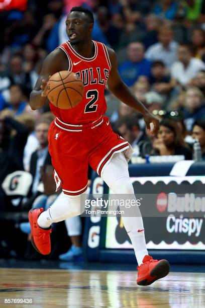 Jerian Grant of the Chicago Bulls dribbles the ball against the Dallas Mavericks at American Airlines Center on October 4 2017 in Dallas Texas NOTE...